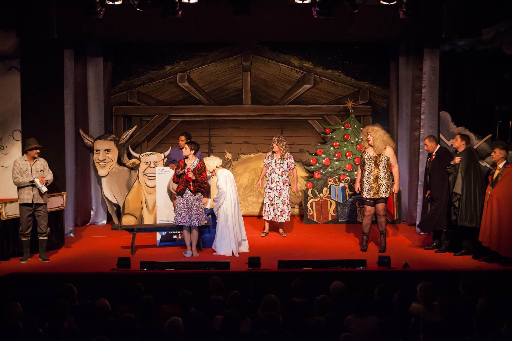 D cor de th tre revue de thierrens corentin m for Decor de theatre