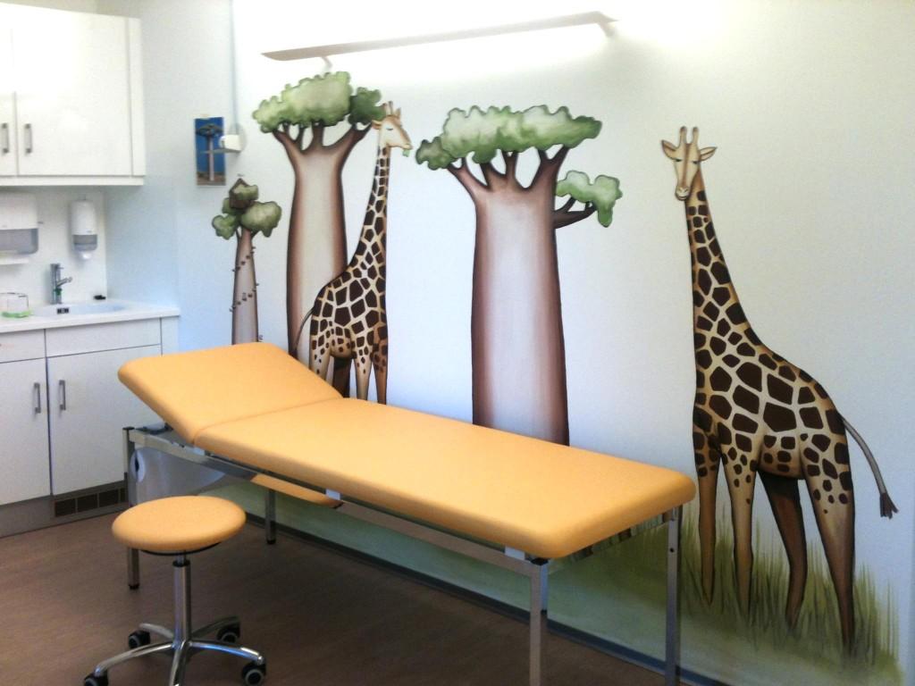 fresque enfant girafe corentin meige