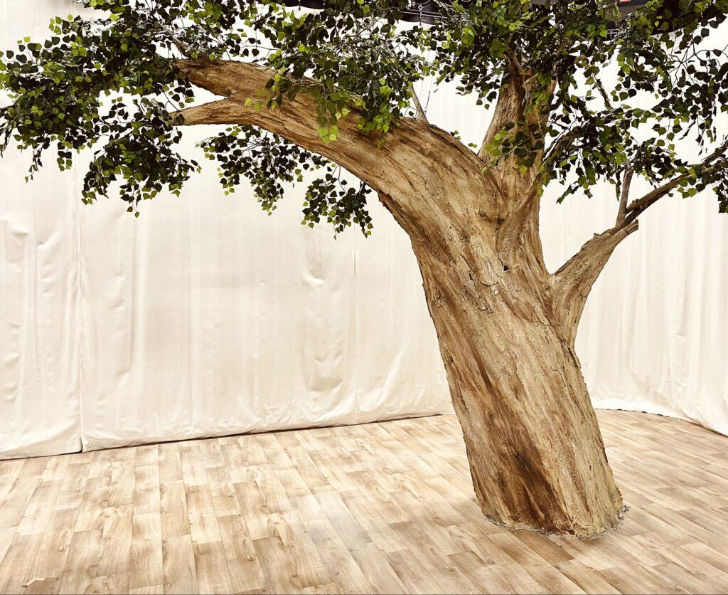 faux arbre paris m6 boutique corentin Meige déco intérieur décor arbre création suisse france